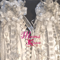 single white homecoming mums
